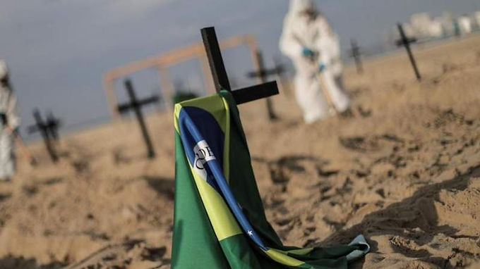 Brasil alcanzó un nuevo récord de personas muertas por Covid-19
