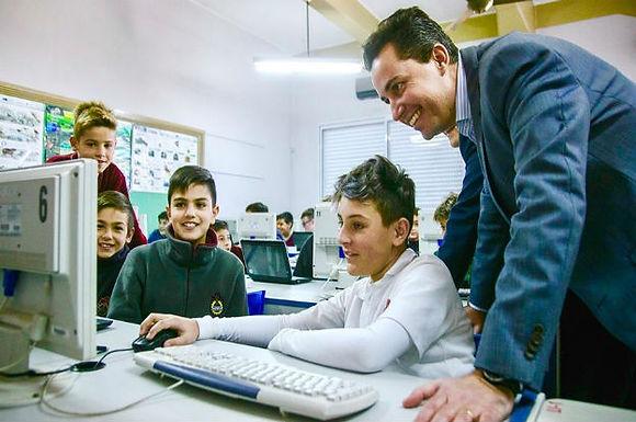 Conectividad Córdoba: 561 escuelas se conectarán a Internet próximamente