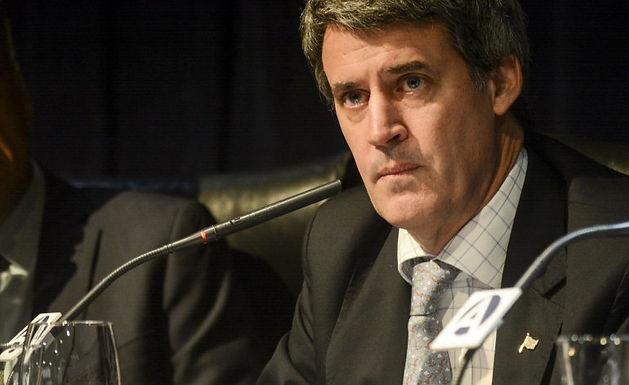 Crisis en el Gabinete Nacional: se va Alfonso Prat Gay