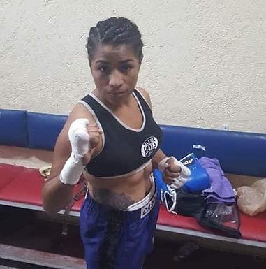 En Toledo le cortaron la luz a un Club donde vive una boxeadora con su familia