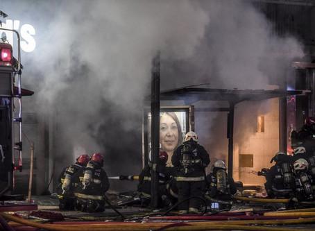 Dos bomberos muertos en fuertes explosiones en Buenos Aires