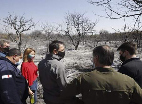 Juan Cabandié recorrió las zonas afectadas por los incendios