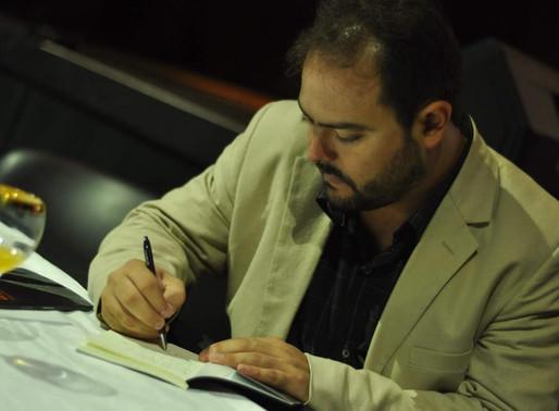 Alejandro Bustos Chesta: Pasión por escribir