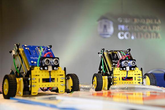 61 Escuelas técnicas recibieron kits de robótica