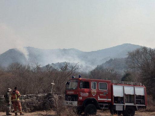 Dueños de campos en San Fernando impedían el paso de los bomberos