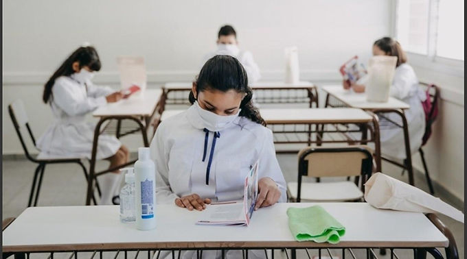 El debate pasa por la presencialidad en las aulas
