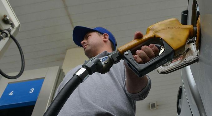 El 7 de enero las naftas aumentarán alrededor de un ocho por ciento