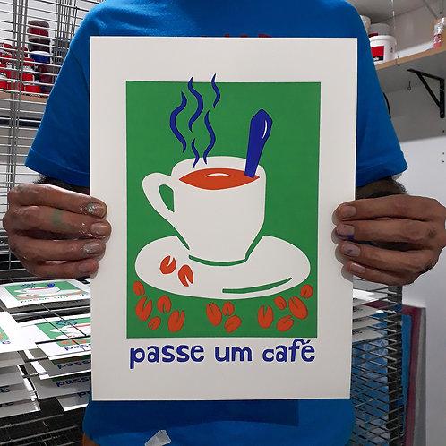 Clara do Prado - Passe um Café