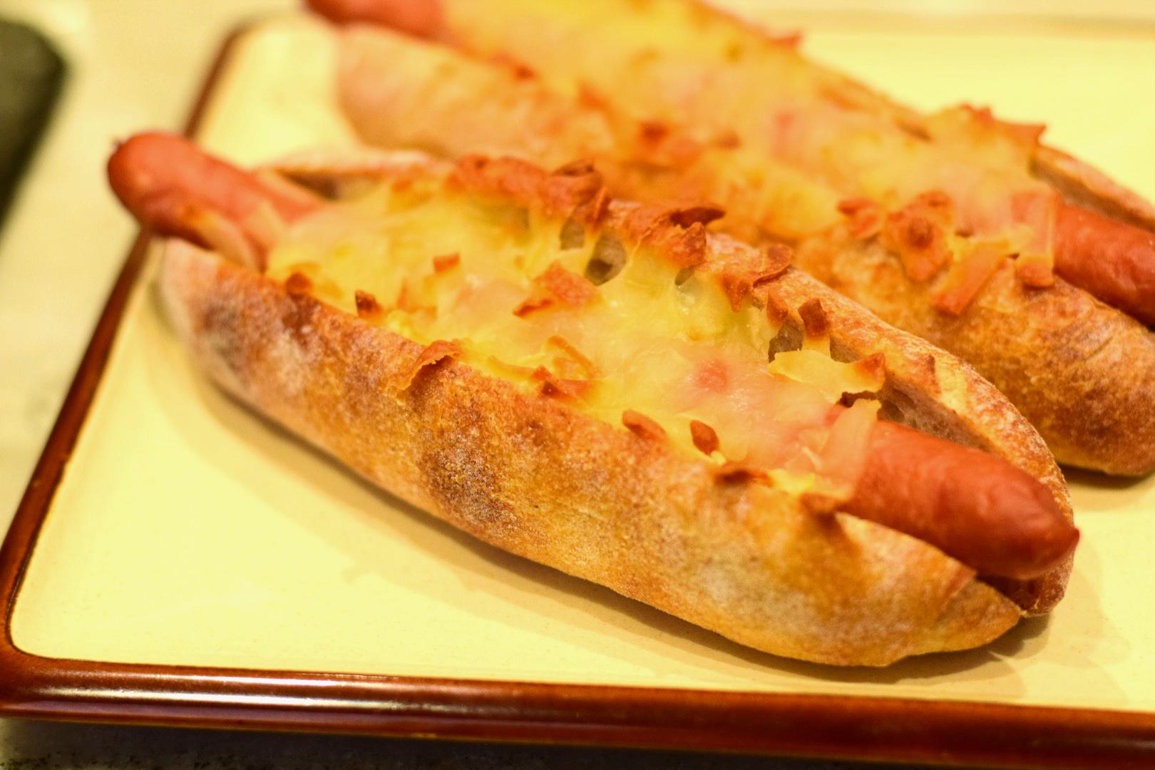 千葉県産ウインナーのチーズドック