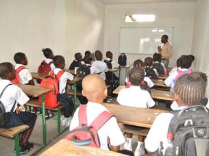 Amaitu dira Kinshasako Covadongako Ama Birjina Eskola (Kepa Azarloza Zentroa) zaharberritzeko lanak