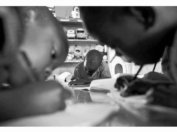 Niños y niñas educación África