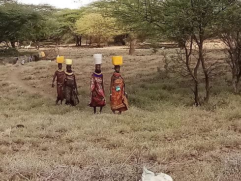 Acceso al agua Kenia África Derandein