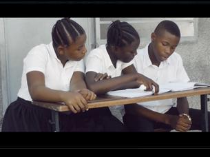 Alumnado de secundaria promueve la igualdad de género y el cuidado del medio ambiente en Kinshasa