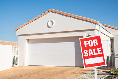 real-estate-house-with-for-sale-sign-2WS