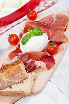 italian-mozzarella-PZBNN8J.jpg