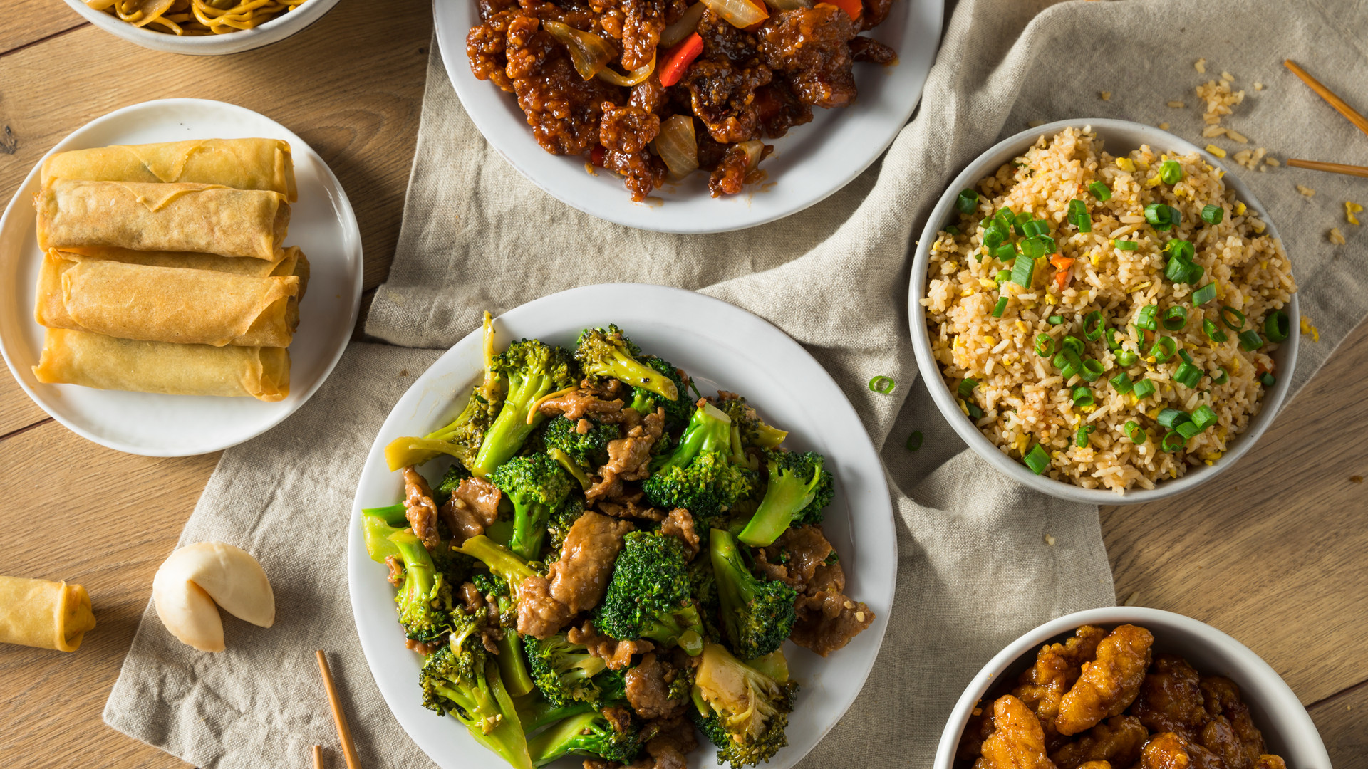 spicy-chinese-take-out-food-PHJY2R3.jpg