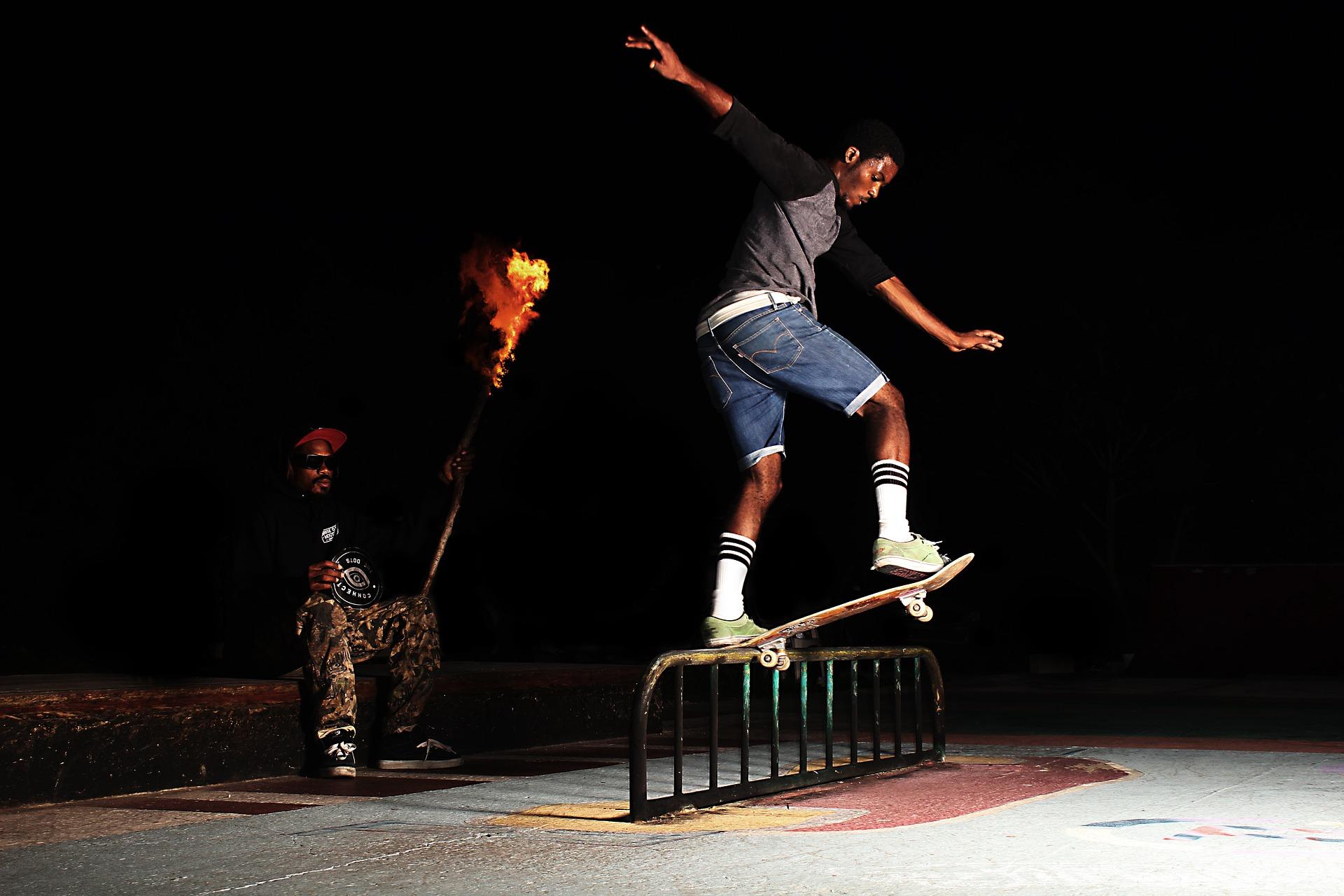 skateboarding-983347_1920