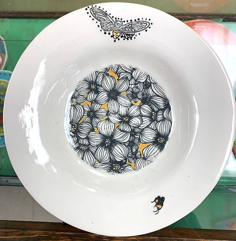 Shallow Soup Bowl with Bees, set of 2