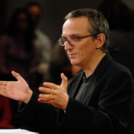 """""""O jornalismo se tornou mais importante do que nunca"""", diz Juremir Machado"""