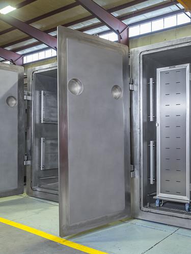 Large Vacuum Chambers