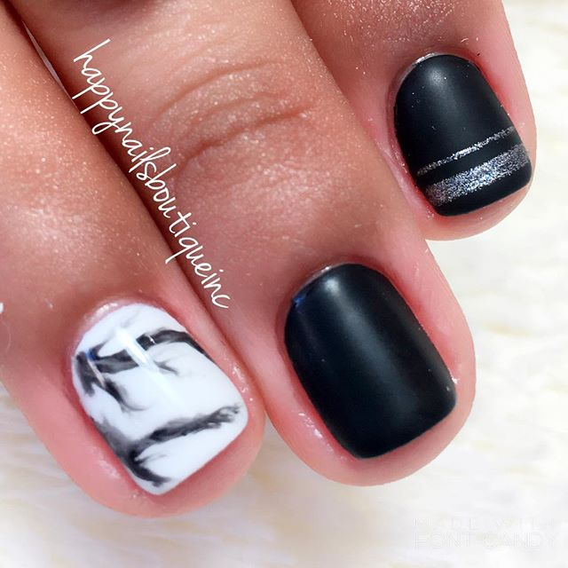 Level achieved_ Trendy Chic 💅🏻🕶🌫 #matte #shiny #marble #silver #gelpolish #gelcolor #longlasting