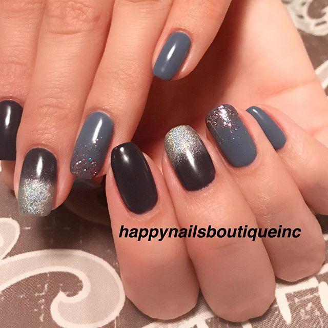 We can never have enough #sparkles✨✨❤️ #HNB #nails #nail #nailart #hologram #nailsalon #Chicago #Lak
