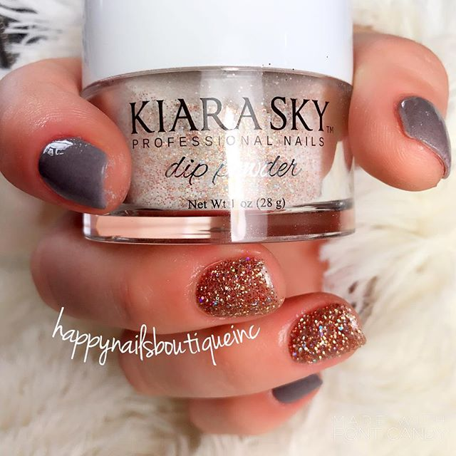 Another awesome set of #KiaraSky #dippowder 💅🏻💅🏻💅🏻✨✨✨ #nailsalon #nailsmagazine #trendy #chic