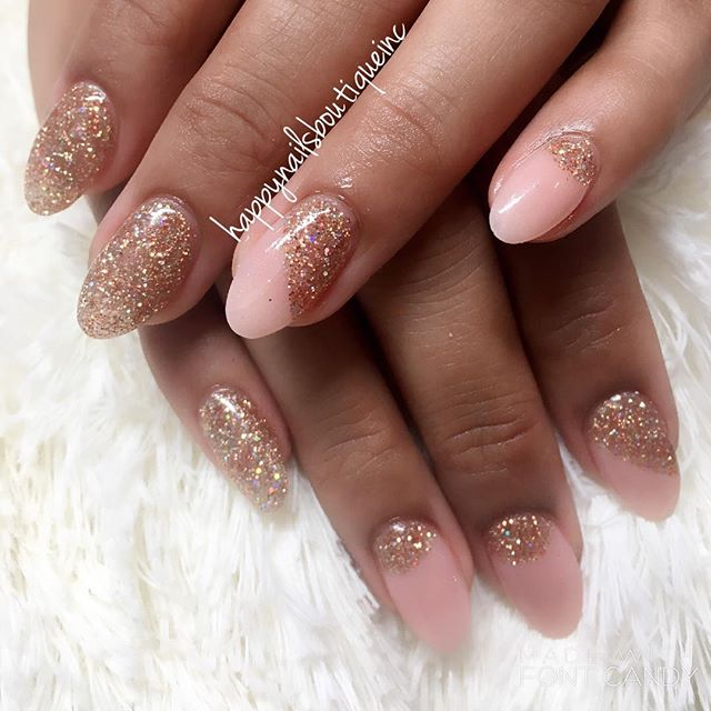 #sugarart #rhinestone #dippowder #ombre #nails #nailart #naildesign #sparkles #glitter #pointynails