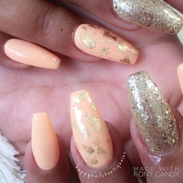 #goldfoil #gold #coffinnails #sparkles #glitter #gelnails #acrylicnails #nochip #gelpolish #312 #chi