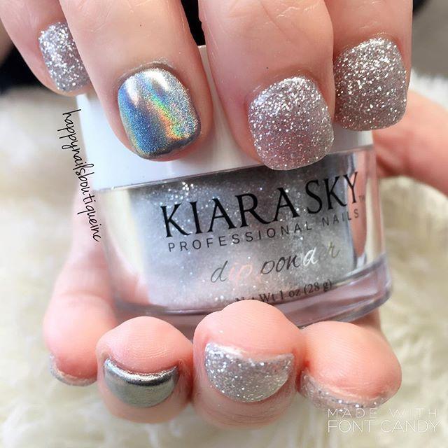 💅🏻🌸🌷🦄🦄 #sparkles #spring #dippowder #unicorn #chrome #chromenails #notd #nails #HNB #nailart #