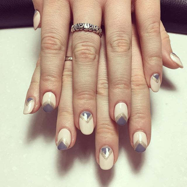 Feeling #geometric _ We've got you covered! #HNB #nail #nails #nailart #naildesigns #pink #gold and