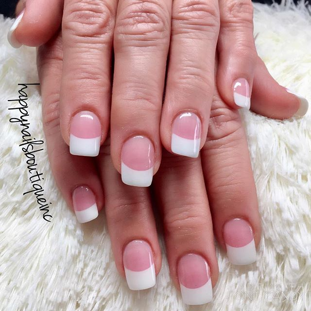 Classic pink and white = perfection! 💅🏻🙌🏻💕 #notd #Lakeview #Chitown #Chicagonails #312food #nai