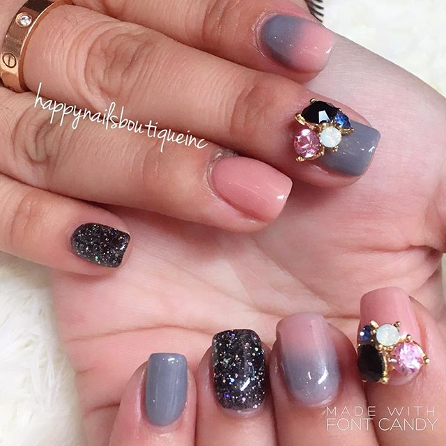 When #winter and #spring have a fight! 💅🏻☁️🌨💨🌫🌥🌸🌷🌻💅🏻 #gray and #pink #dippowder #kiarasky