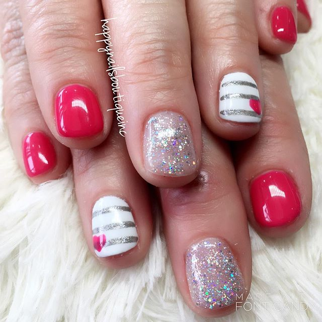 ❤️ and ✨ #312food #nailsmagazine #nails #nailsalon #love #Lakeview #Chitown #Chicago #freehanddesign
