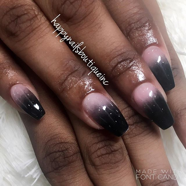 #darkside of a #queen 👑🕶 #ombre #dippingpowder #dippowder #312 #nails #nailart #chicago #lakeview