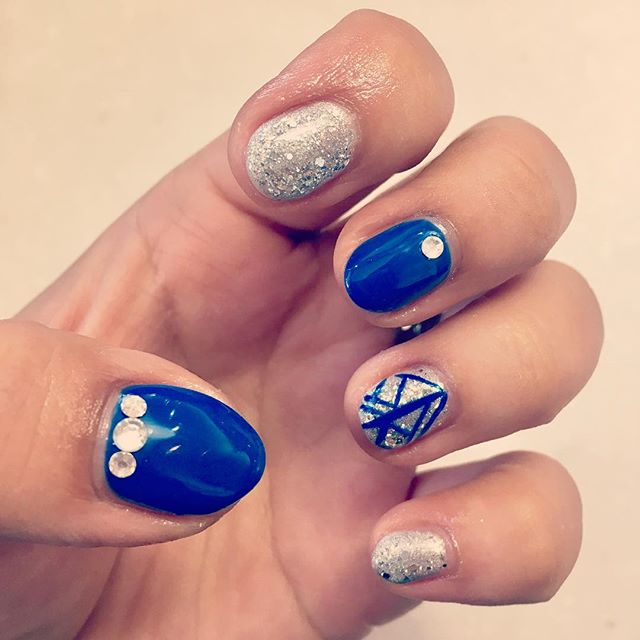 #blingitup #sparkles #nails #nail #HNB #chicago #lakeview #chicagosalon #nailsalon #naildesign #simp