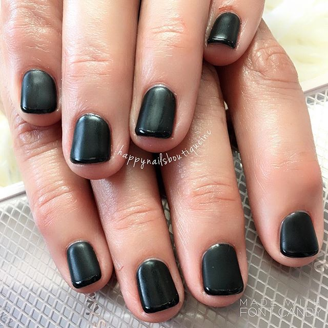 Opposites attract!!! 🖤 #matte and #shiny #notd #nail #nails #nailart #naildesign #french #chicago #