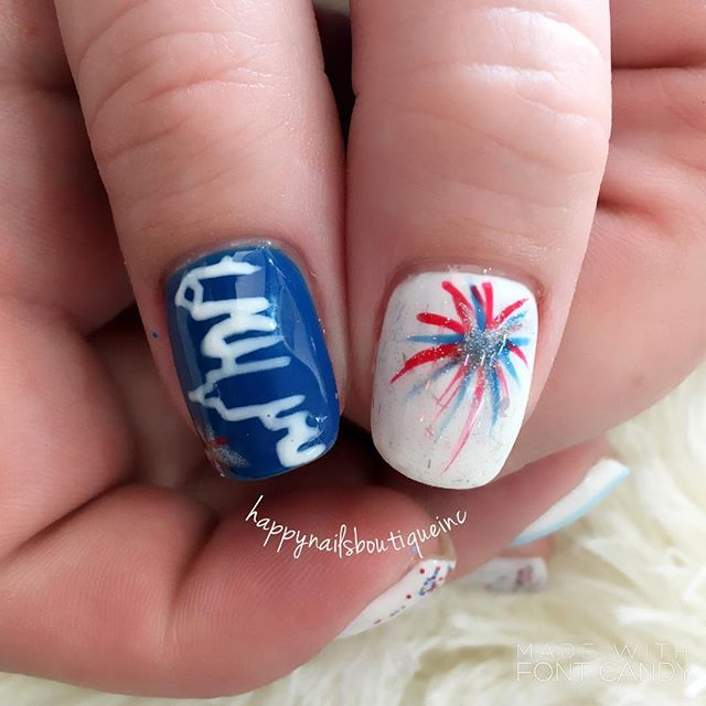 #love for the #city 💙❤️🎉 #gelcolor #nochipnails #nochip #sparkles #fireworks #chitown #chicagonail