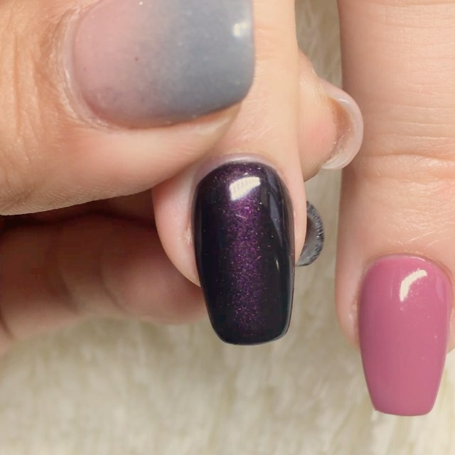 Super cool #cateye effect! 💅🏻😺👍🏻🕶 #HNB #gelcolors #gelnails #acrylicnails #acrylic #black #pin