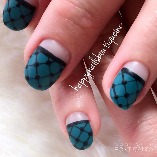 #matte #fishnet for my lovely _laurherb !! Nails on fleek every time! 💅🏻🕶❤️#notd #nail #naildesig