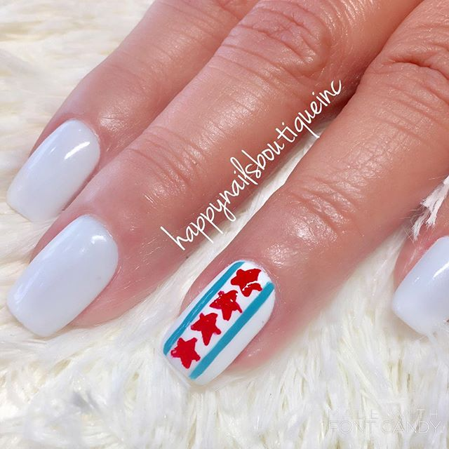 Another interpretation of our #love for the city! 💙❤️ #Chicago #Chitown #Lakeview #nailsalon #nails