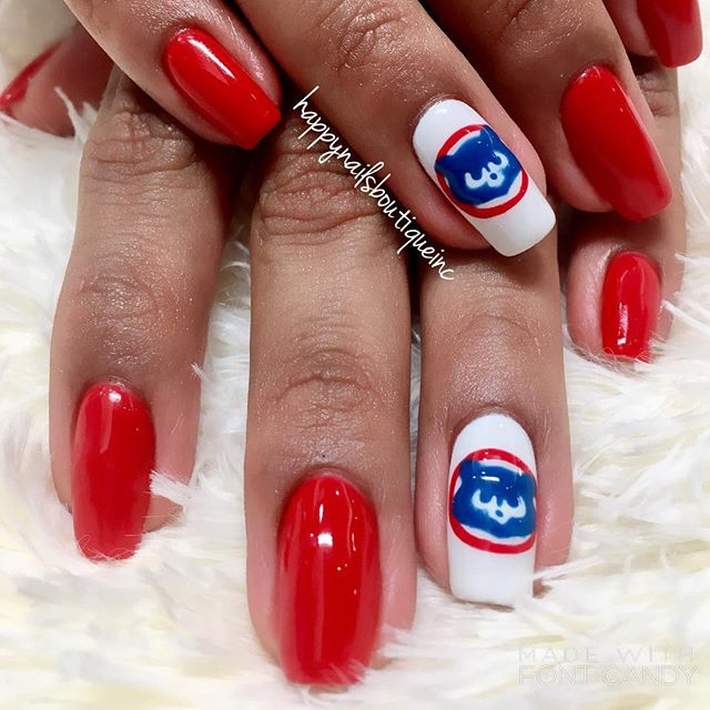 Miss _mrivera325 showing her #love to the #ChicagoCubs 💅🏻⚾️🍻💙❤️🎉 #Chitown #Chicago #Lakeview #n