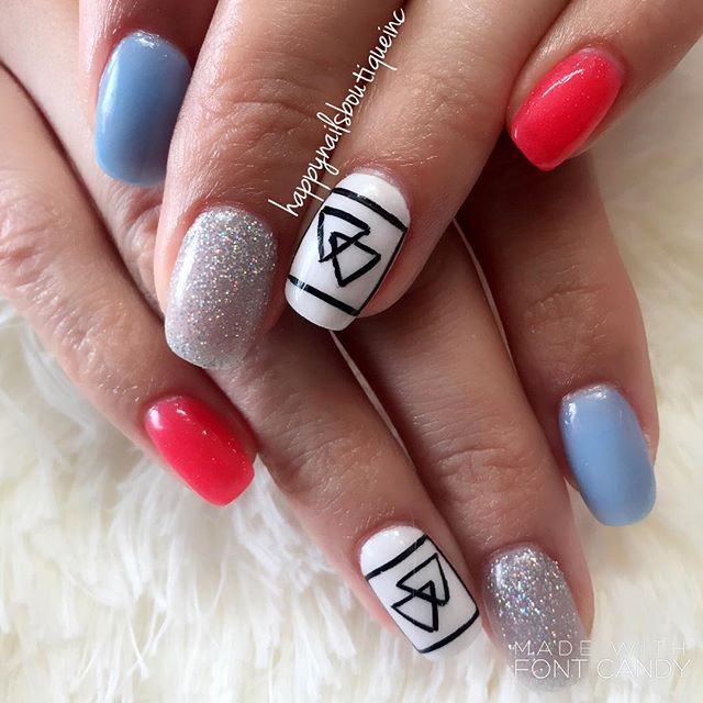 Spring nails on fleek! #312food #love #Lakeview #Chitown #Chicago #naturalnailsgoal #nailsmagazine #