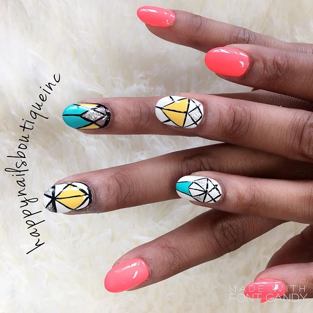 Celebrating #memorialday weekend with the perfect set of #nails.jpg