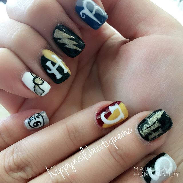 #HarryPotterWorld ready! ✨✨☀️#harrypotternails #vacationnails #lightning #Florida #vacation #vaca #O