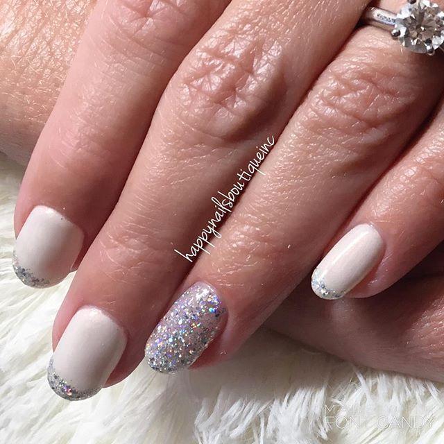 #shine right like a #diamond 💍👰🏼 #engagementphotos #engaged #nochip #nochipnails #sparkles #gelna