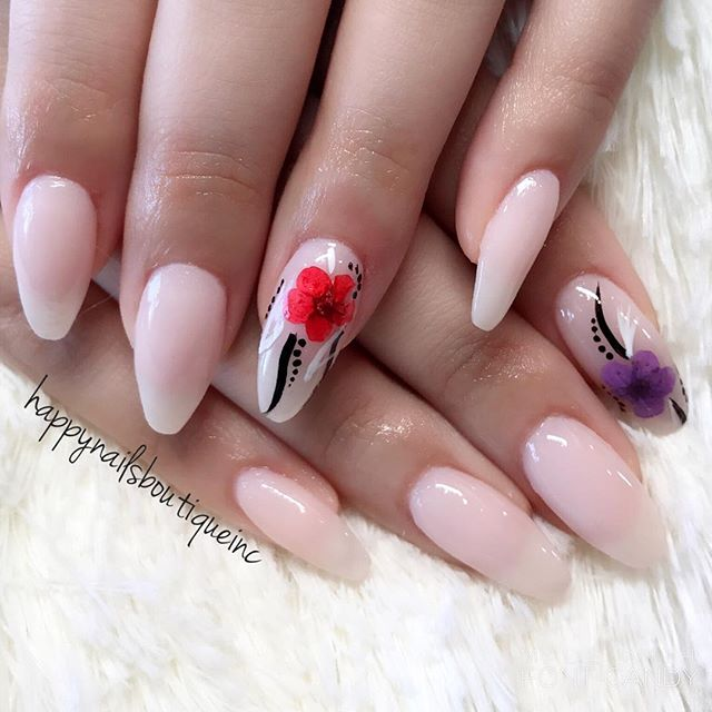 #flowers on #nails _ Why not! 🌺😉❤️ #notd #nails #nailart #nailgame #nailsmag #nailtech #nailsalon