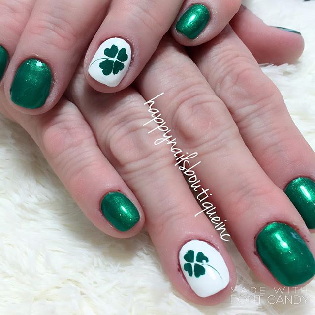 #shamrock #love 💚🍀🌈☘️ #HNB #handpainted #fourleafclover #rainbow #freehanddesign #312food #nailsm
