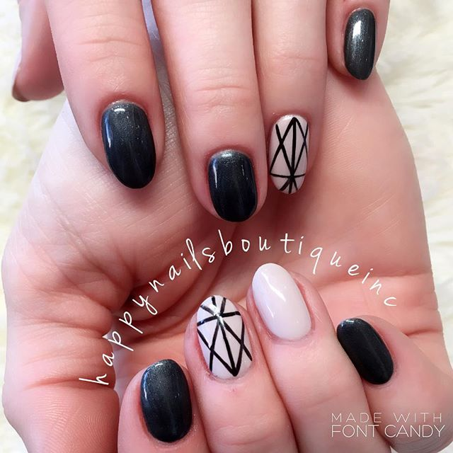 #geometric anyone_ 💅🏻🙋🏻 #freehanddesign #handpainted #HNB #312food #naildesign #spring #nailsmag