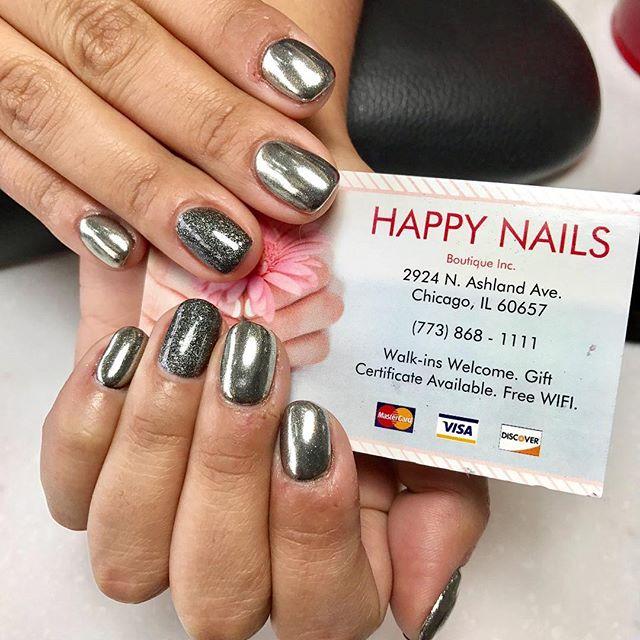 So much #shine for the #holidays 💅🏻❄️🎄🎉☃️🎅🏻⛄️ #HNB #chrome #chromenails #chromepowder